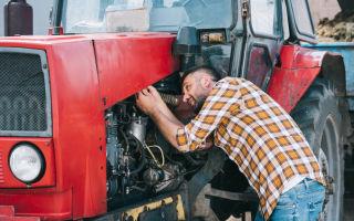 Выбор масла для трактора, нормы и расход