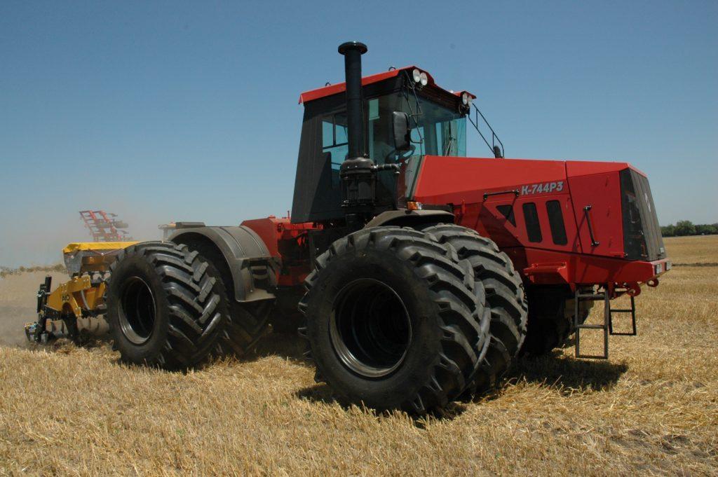 Трактор кировец к 744