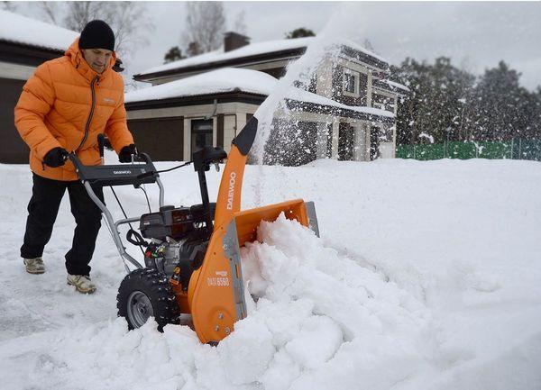 Снегоуборщики ДЭУ: отзывы об особенностях популярных моделей