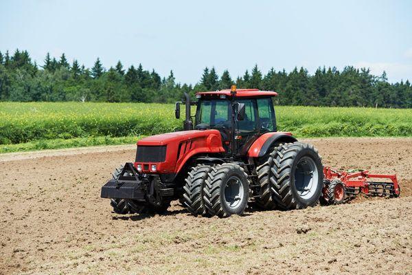 Про назначение тракторов, их устройство