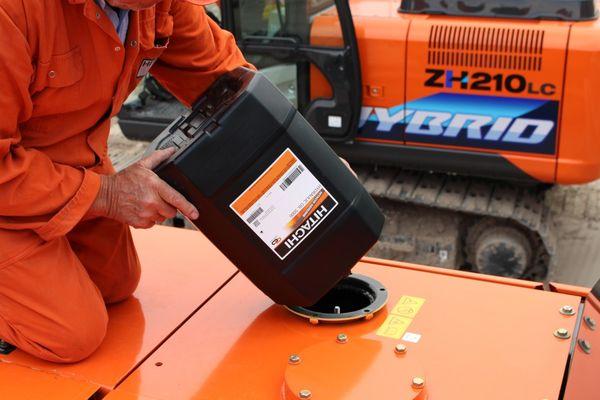 Какое масло заливают в экскаватор для двигателя, гидравлики, трансмиссии и редуктора