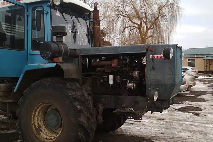 Трактор ХТЗ-17221 - двигатель