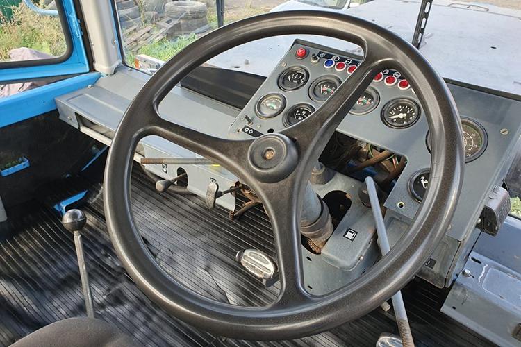 Трактор ХТЗ-17221 - управление