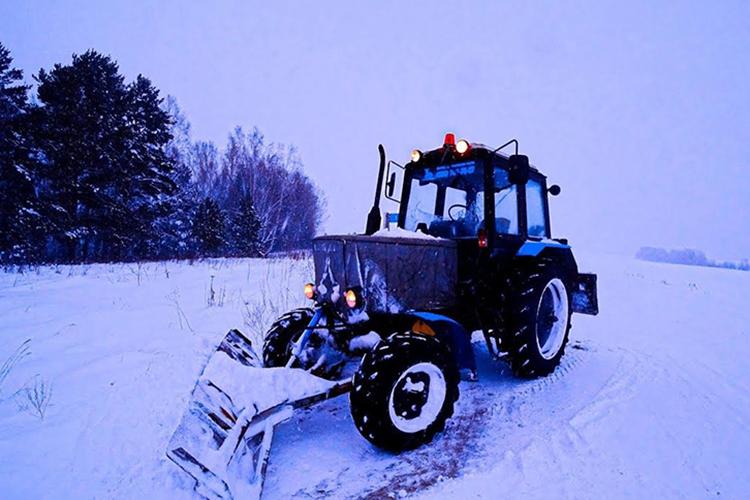 Трактор МТЗ-82 зимой