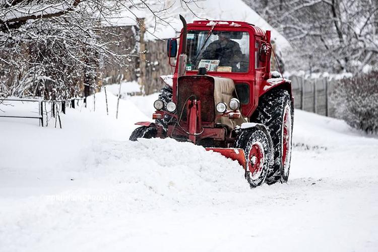 Почему не заводится трактор