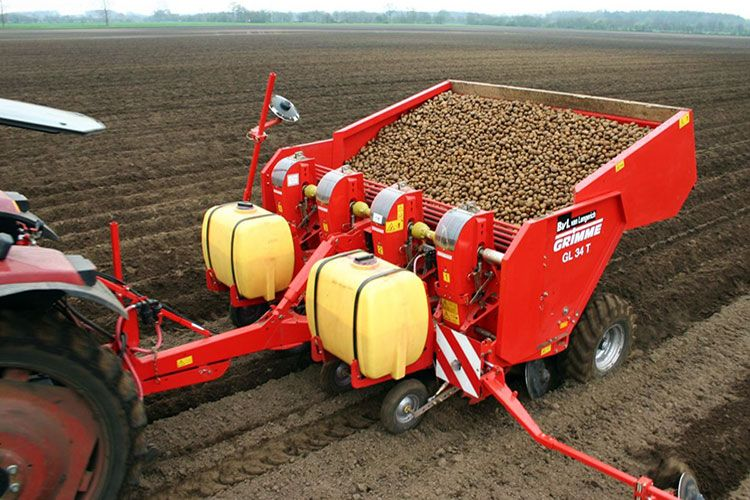 Картофелесажалка для трактора