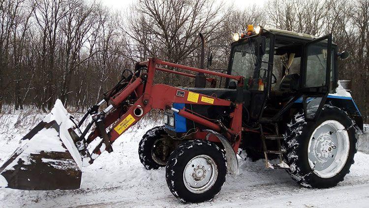 Трактор МТЗ зимой