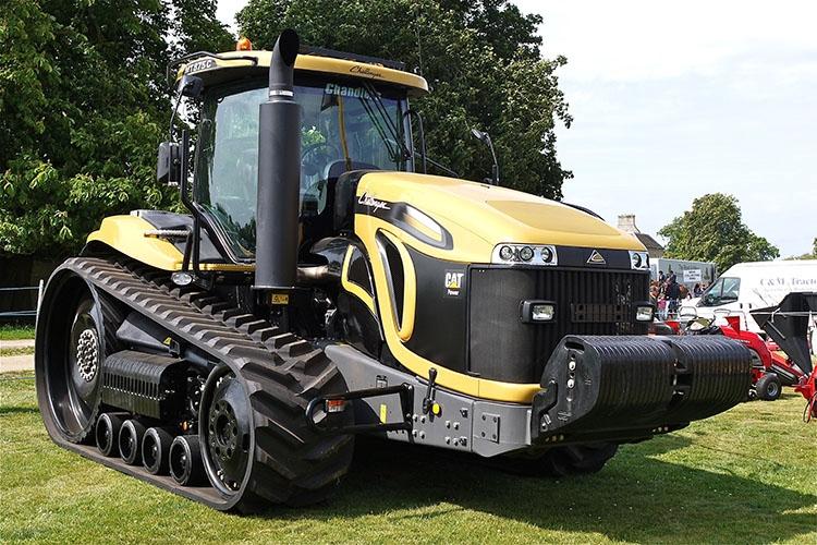 Гусеничный трактор CAT
